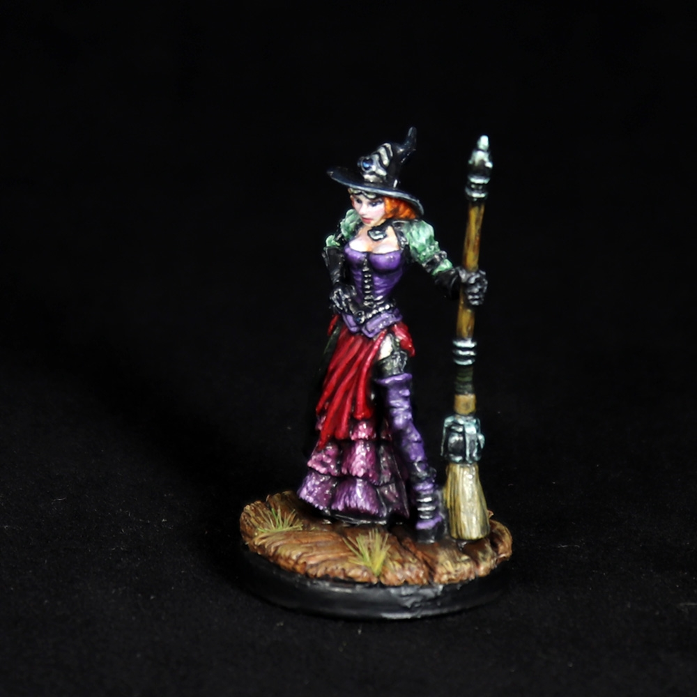 Dita-steampunk-witch-miniature-2