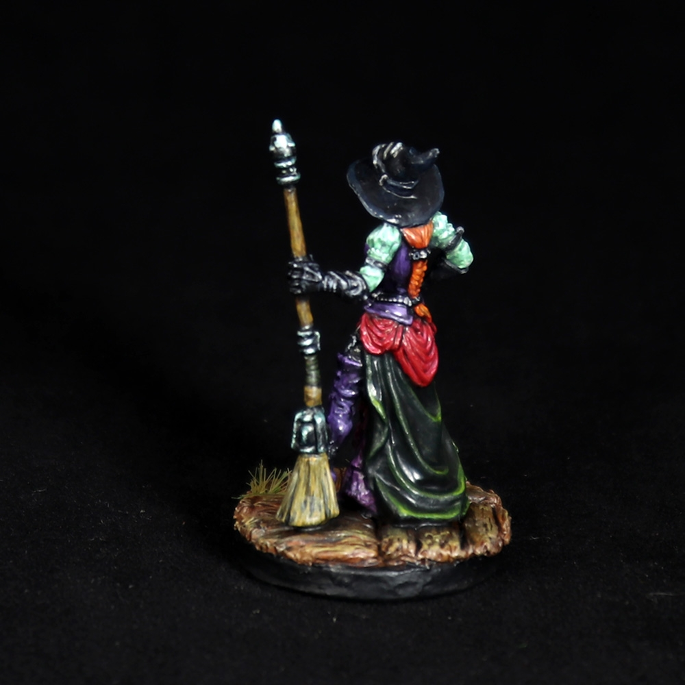 Dita-steampunk-witch-miniature-3