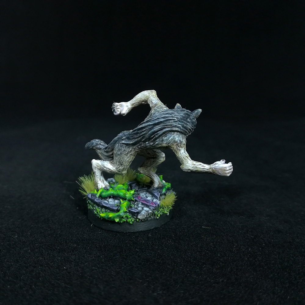 Female-WereWolf-Miniature-5