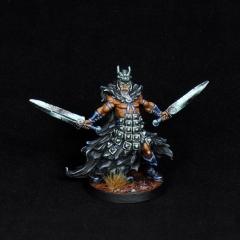 Aasimar-Inquisitor-Miniature-1