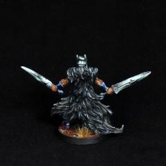 Aasimar-Inquisitor-Miniature-5