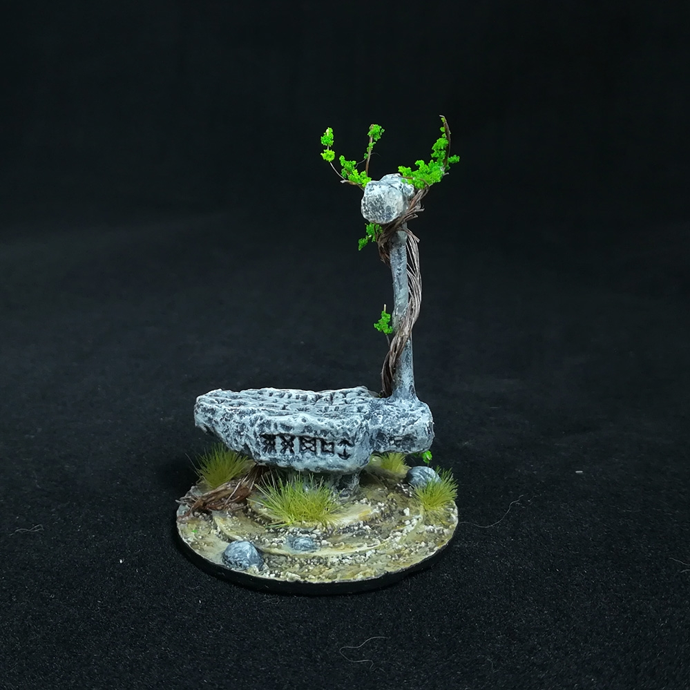 stone-anvil-miniature-1