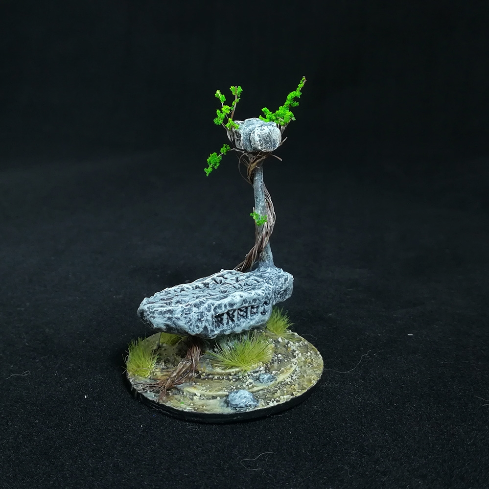 stone-anvil-miniature-2